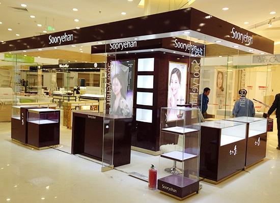 南京地区化妆品展柜展示柜