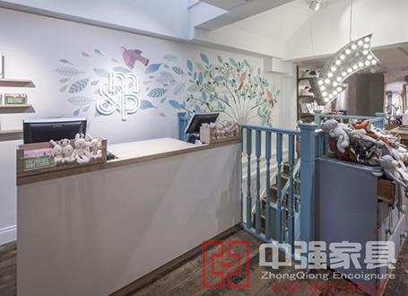 南京m&p服装店设计展柜制作